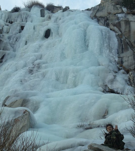Tioga Pass was open so easy hike down from route 120 to the Chouinard Wall, Lee Vining Canyon Jan 2-3,2012