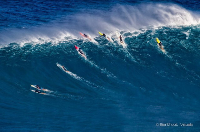 Trad was the game @ Peahi 1/4/12