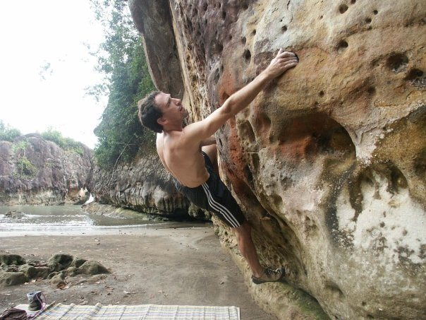 Beachside bouldering at Bako. glen charno.