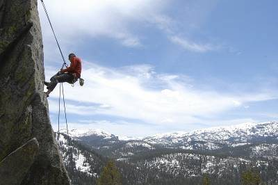 Rock Climbing Photo: Rapelling