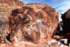 Rock Climbing Photo: Warm up Boulder South Face Topo