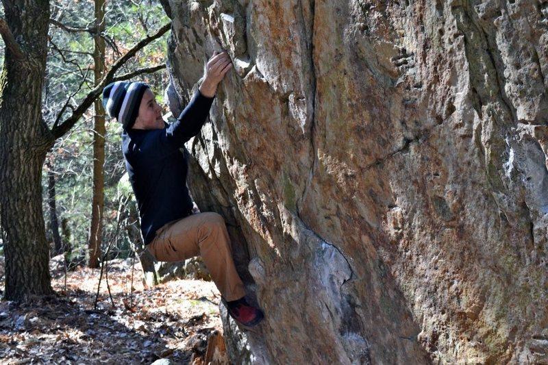 Rock Climbing Photo: Comming around arete on traverse.