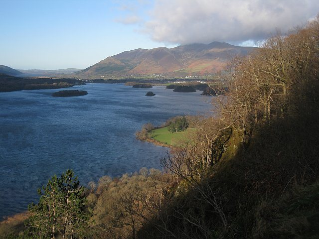 Rock Climbing Photo: Derwent water looking towards the town of Keswick....