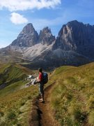 Rock Climbing Photo: Hiking below the Chamois Terrance trail back towar...