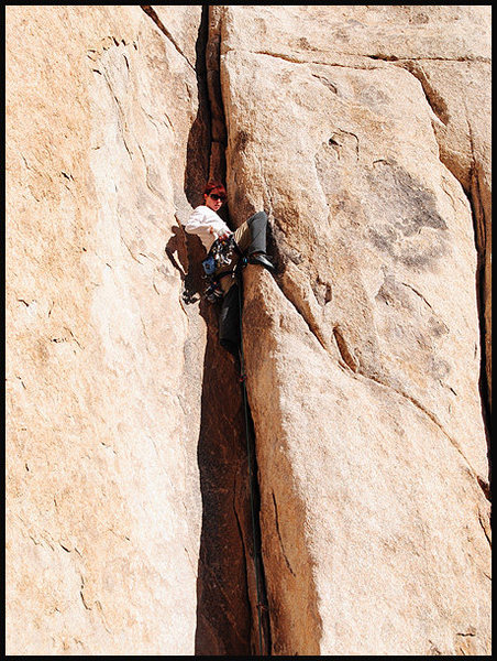 That same anonymous climber on &quot;Dogleg&quot;.<br> Photo by Blitzo.