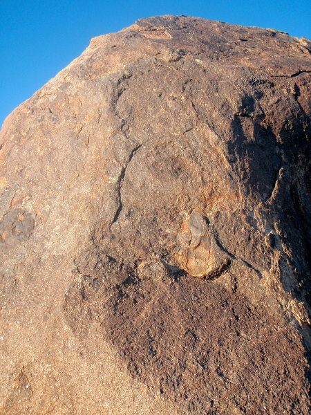 Great route on the south side of the first large boulder <br>