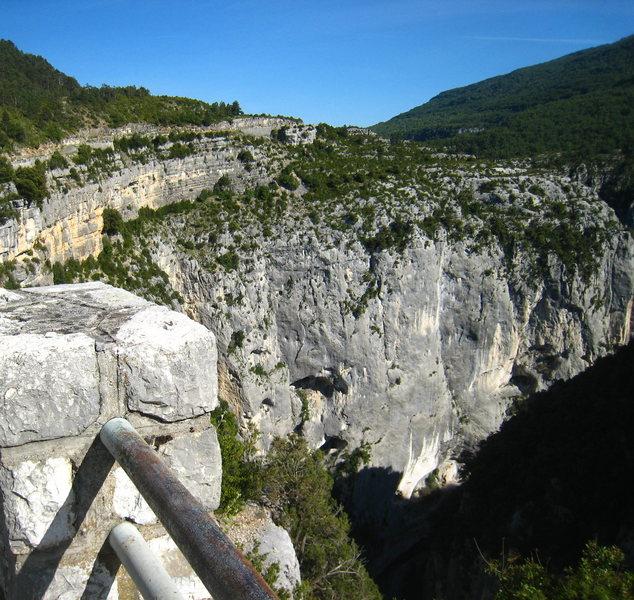 Overlooking Falaise de l'Imbut