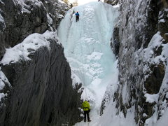 Rock Climbing Photo: Leading Step Right Up. The ice was fairly chandeli...