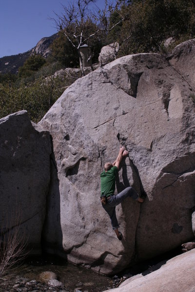bouldering along the middle fork kaweah river. foothills.