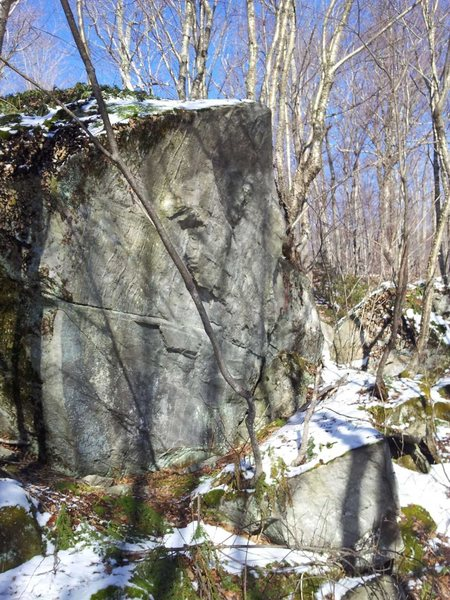 Rock Climbing Photo: boulder from a new cluster found in Killington Sun...