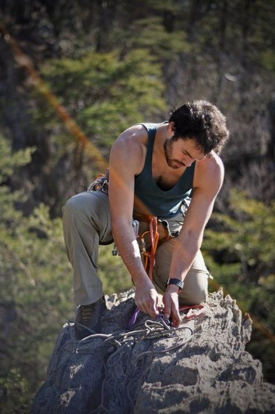 Rock Climbing Photo: Pick-A-Dilly Anchor on Middle Finger Backside  Cro...