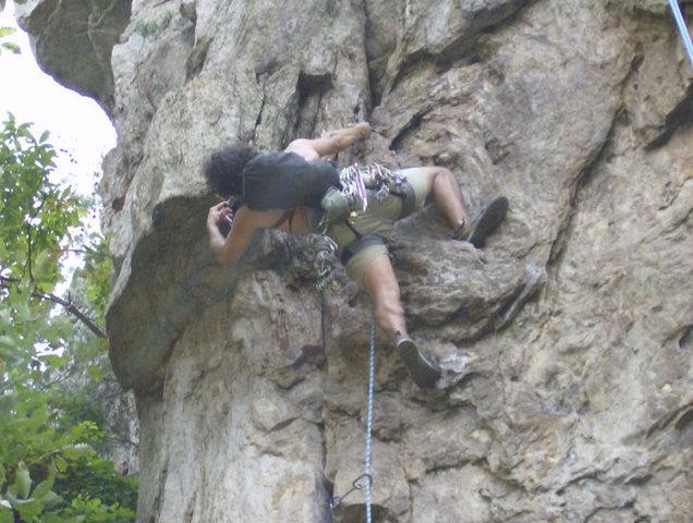 Rock Climbing Photo: Davids Castle Backside  Overhang Direct(5.8) Trad ...