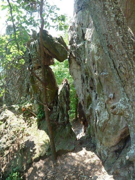 Trundlasaurus Wall<br> <br> NoExperienceNecessary(5.6)trad<br> Idiot Savant (5.10+) sport<br> <br> Crowders Mountain State Park, North Carolina