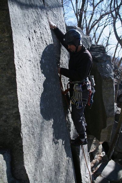 Rock Climbing Photo: Leading up Fruit Loops