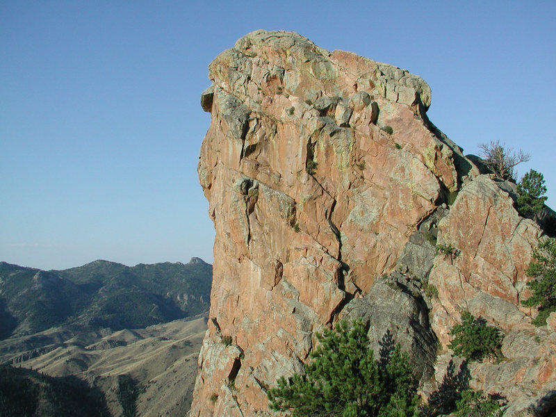 Rock Climbing Photo: The NW face of Sherard Tower after sunrise.