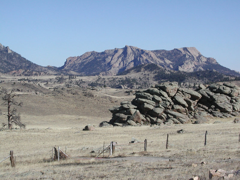 Rock Climbing Photo: Entering the Kennedy Vale Ranch land via the Main ...
