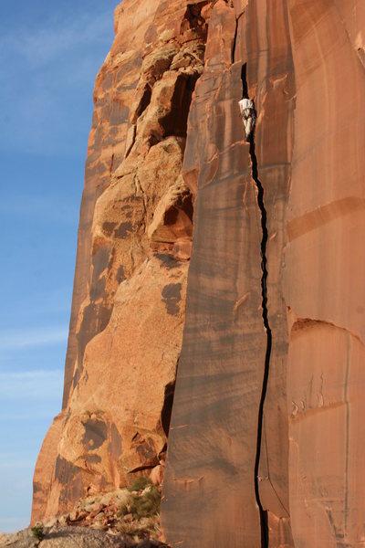 Rock Climbing Photo: The Serrator: scary maneater, bring the big stuff