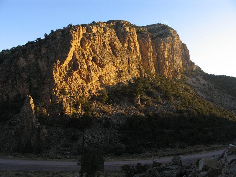 Rock Climbing Photo: The West-facing Limestone Wall of Irish Canyon.