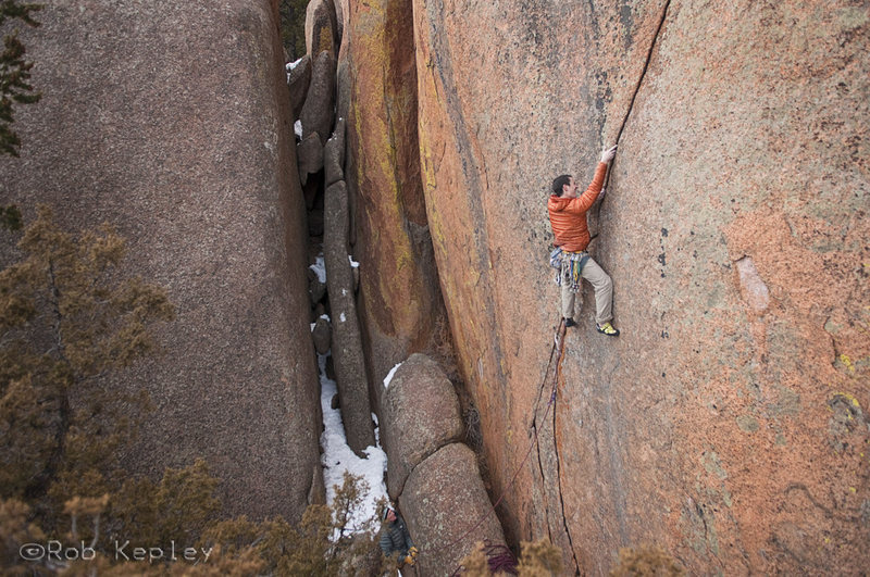 Rock Climbing Photo: Brad Gobright flashing Brothers in Arms.