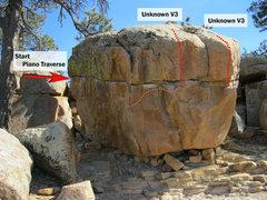 Rock Climbing Photo: Piano Boulder: Piano Traverse (Left start method) ...