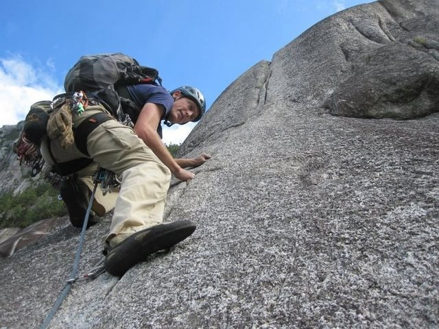 Rock Climbing Photo: Climbing Calculus Crack in Squamish 4th pitch righ...