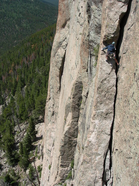 Rock Climbing Photo: Wise climber staying OUTSIDE the crack approaching...