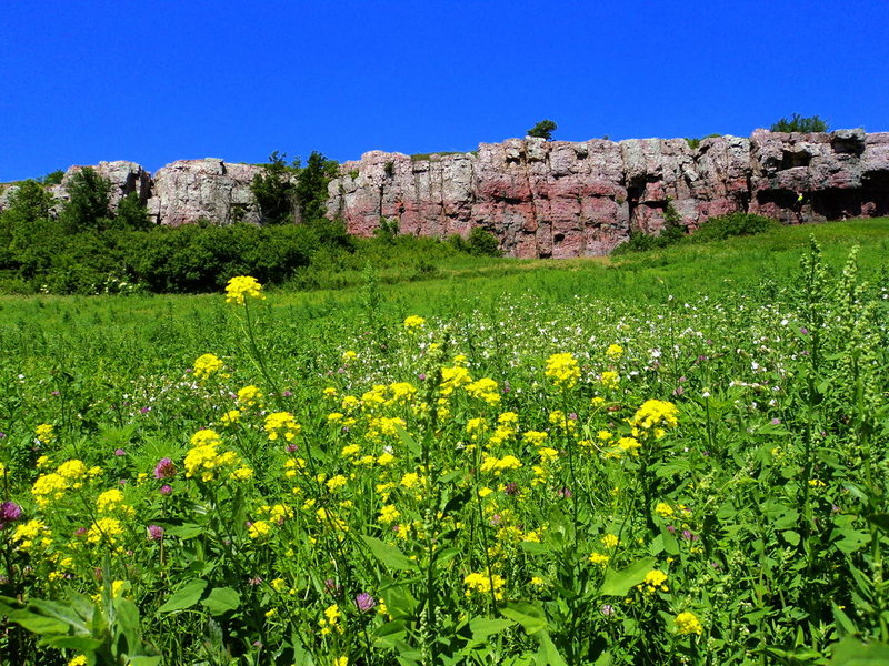 Rock Climbing Photo: Prairie Walls section with climbers on Cussin' Cra...