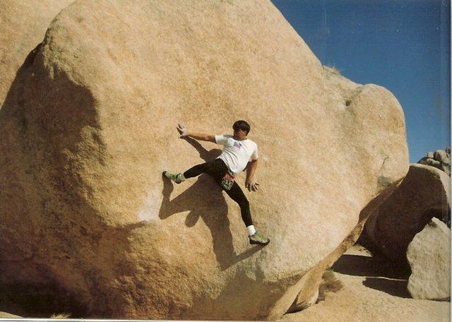 Rock Climbing Photo: Mike Fogarty Joshaua Tree Stemgem backwards, calle...