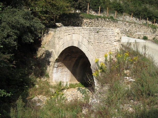 Roman bridge at Rocca di Corno