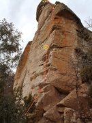 Rock Climbing Photo: Circle: fixed pin. X: bolt.