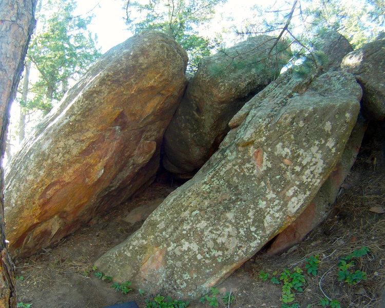 Rock Climbing Photo: The Slot Overhang.