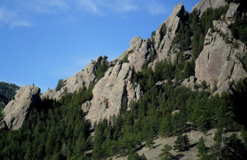 Rock Climbing Photo: Der Zerkle is in the middle with the three-fingere...