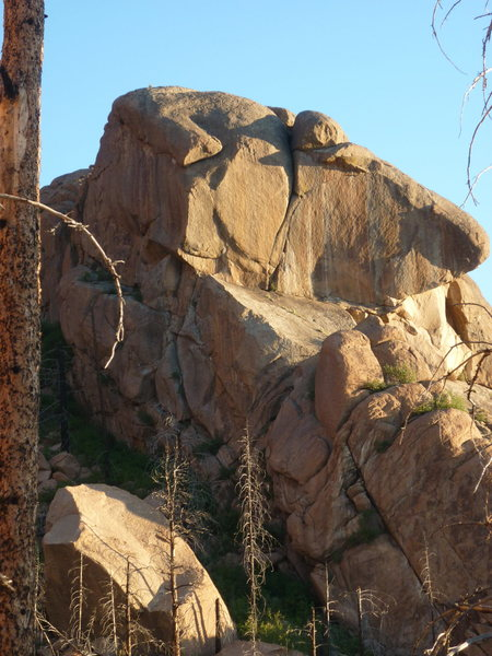 Rock Climbing Photo: Oneg Shabbat is the obvious, cyclone-shaped crack ...