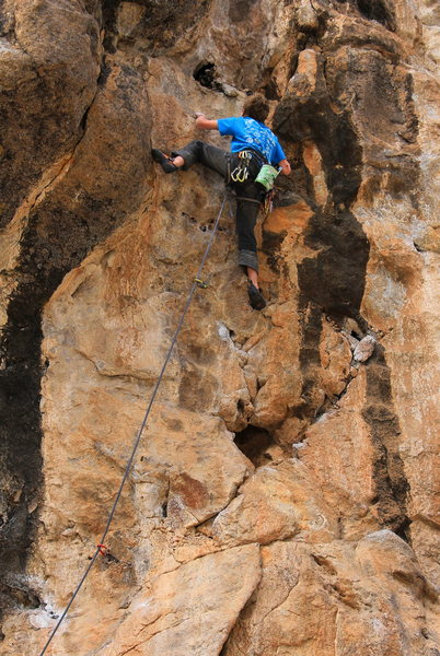 Rock Climbing Photo: Moving up above the eye Cyclops (5.11+)