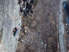 Rock Climbing Photo: Scott Arno climbs the traverse on P2(5.6) of Pete'...