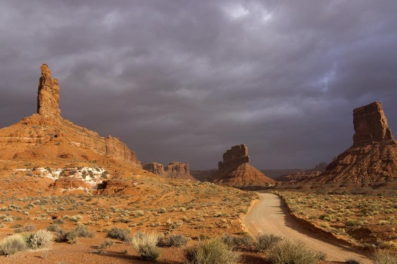 Valley of the Gods, stormy day. On right, Eagle Plume; center is Tom-Tom Tower; left is Putterman In the Bathtub