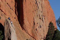 Rock Climbing Photo: White Twin and Pipe Route.