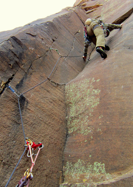 Rock Climbing Photo: Challenger's 4th Pitch (thin, right facing corner ...