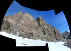 Rock Climbing Photo: The South face of Notchtop in very distorted condi...
