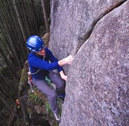 Rock Climbing Photo: Eric Hirst getting established over the roof on Ba...