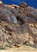 Rock Climbing Photo: Ten Minute Shift begins at the tan patch of stone ...