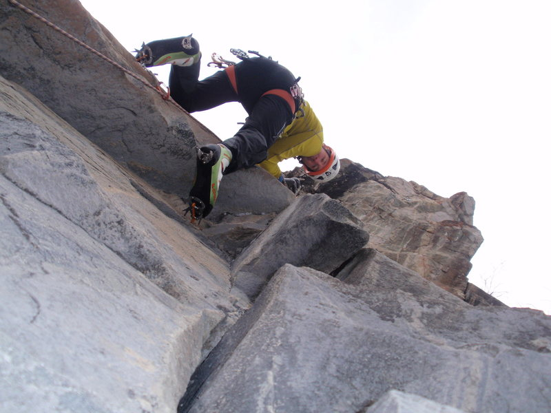 Rock Climbing Photo: The thin start to the Holy Grail with the overhang...