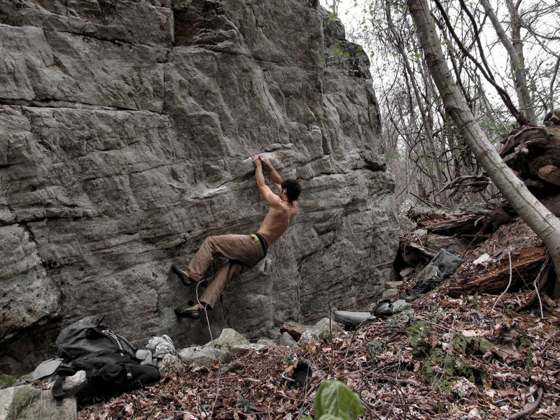 Rock Climbing Photo: Matching the sloper rail