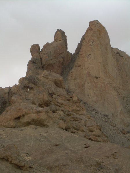 Rock Climbing Photo: Ford Butte showing the gully between the two summi...