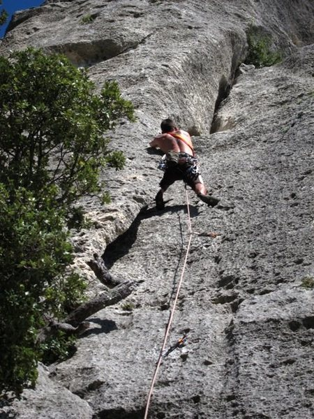 Stemming, hip and back scumming...up up L'Arco dei Guaitechi