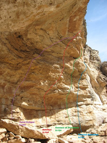 Labeled routes on the rhs of Solstice Cave.