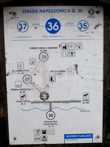 Map at the trailhead across from Finalborgo showing the main hiking trails to Verezzi.
