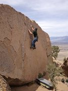Rock Climbing Photo: A great V2 on the Hall of the Mountain Queen bould...