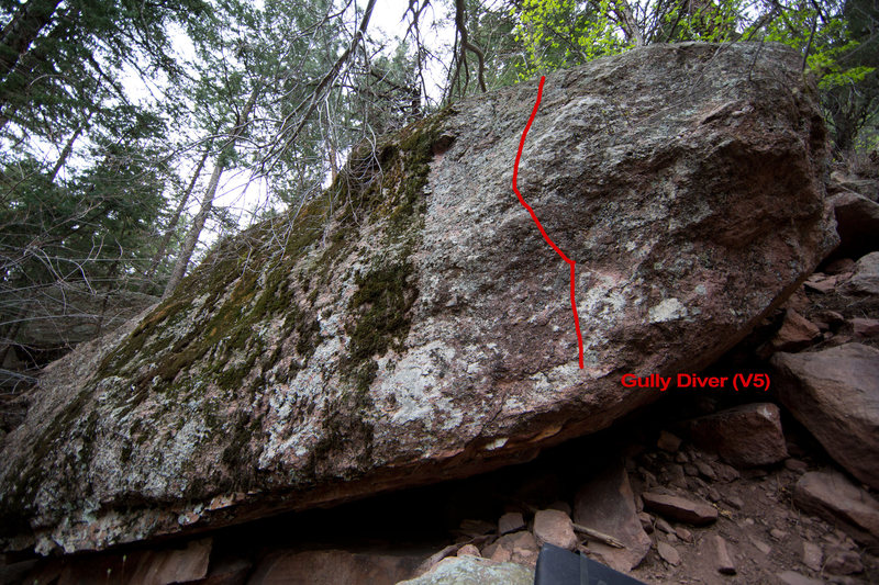 The line up this really sick route, Gully Diver. It's a little mossy but totally worth a go.