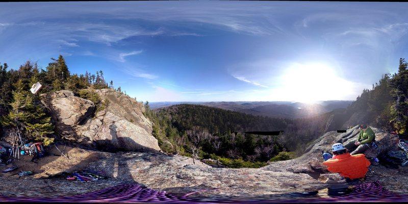 Rock Climbing Photo: Summit Cliffs